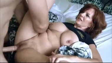 Horny mature MILF likes hot sex with her new boss on business trip