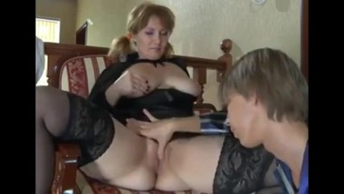 18yo stepson seduces and fucks his mature stepmom in the ass