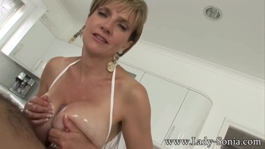 Lady Sonia Tittyfuck with Cumshot