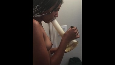Come take a bong rip with me
