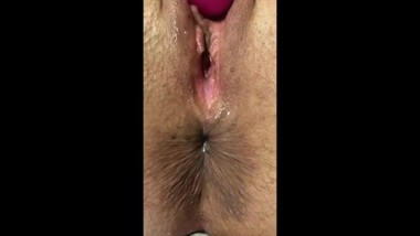 Hot MILF Shows Her Pussy And Asshole Close Up And Masturbates To Big Orgasm